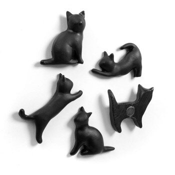 Black cat magnets from Trendform, 5-pack with strong magnets on the back