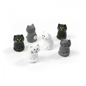 Package of 6 small cat magnets from Trendform Magnets